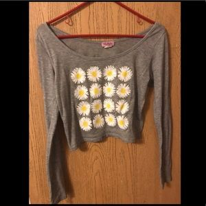 Gray crop top with daisy design. Size medium